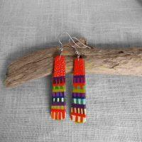 Boucles d'oreilles multicolores allongées