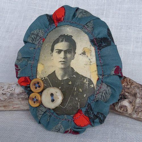 broche-bleue-Frida-24